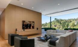 Veja as fotos da nova mansão de Ariana Grande avaliada em quase R$ 70 milhões