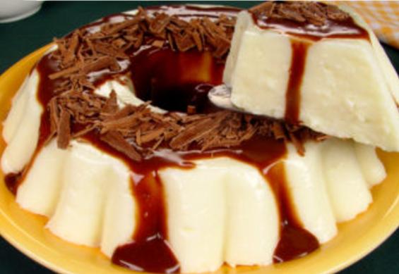 Manjar com Calda de Chocolate