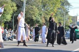 Xiruz abriu desfile na tarde de domingo