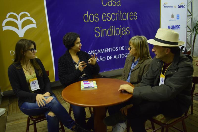 Comissão organizadora da Feira do Livro avaliou o evento positivamente
