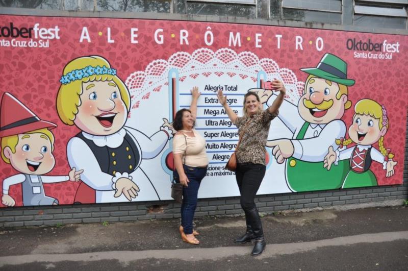 Tânia Machado e Balbina Goldas, de Rio Pardo, se contagiam
