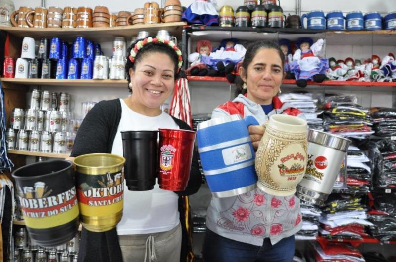 Lojas investem na variedade dos canecos para atrair público