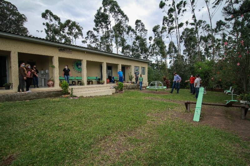 Prefeitura conclui reformas em escolas do interior