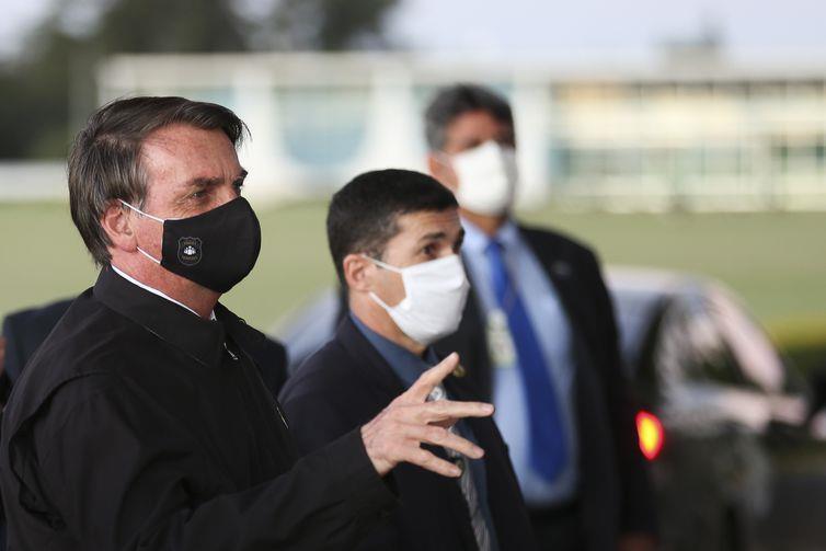 Presidente confirmou que testou positivo para a doença