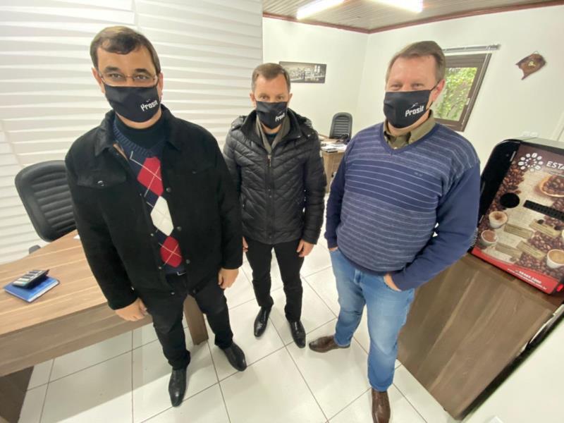 Experientes no ramo, Ilígio, Luciano e Cristiano decidiram empreender e trazer um novo conceito em administração de condomínios
