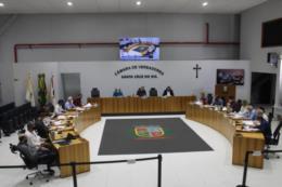 Legislativo de Santa Cruz discute oito novos projetos nesta segunda-feira