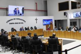 Vereadores debatem oito novos projetos na sessão desta segunda