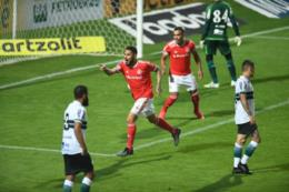 Inter vence o Coritiba em estreia no Brasileirão