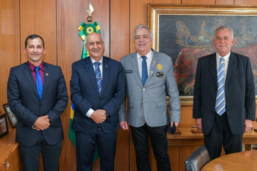 Prefeito de Gen. Câmara Helton Hof Barreto, General Luiz Eduardo Ramos, Gov. Tabajara R. de Andrade e Mauro Luiz Garibaldi